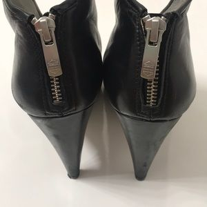 Vince Camuto Shoes - Vince Camuto Vyammi Bootie